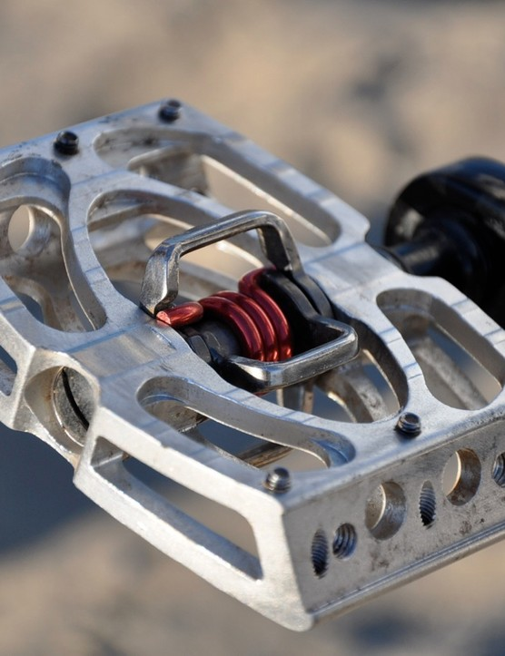 Riffle will continue to run clipless pedals this season, this time on CrankBrothers Mallets