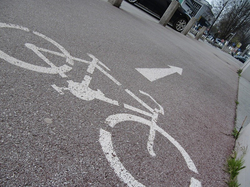 Some want the Oriental Boulevard's bike lanes removed