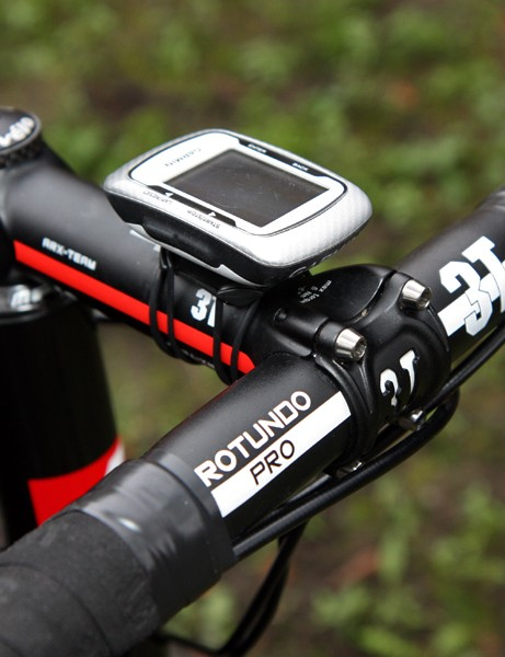 Thor Hushovd (Garmin-Cervelo) is taking the conservative route, opting for an aluminum handlebar and stem