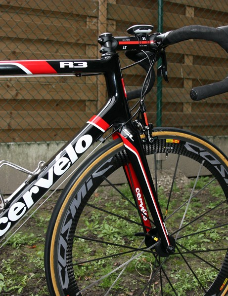 The tapered head tube of Thor Hushovd's (Garmin-Cervelo) Cervelo R3 Paris-Roubaix houses a slightly modified fork