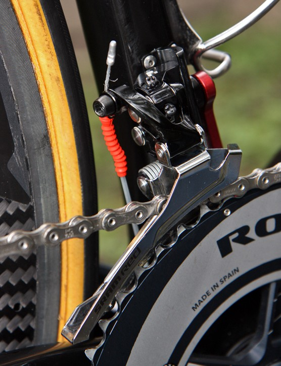Thor Hushovd's (Garmin-Cervelo) Black Red front derailleur has a steel cage