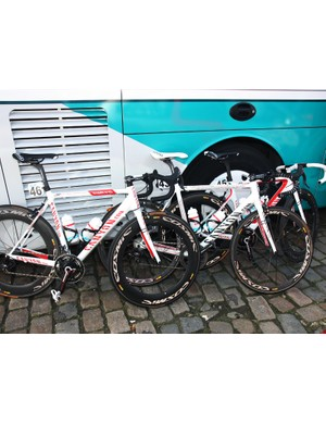 Omega Pharma-Lotto used three different Canyon bikes at Scheldeprijs this year, including the Ultimate CF SLX, the Aeroad CF, and the slightly modified Ultimate AL Pave.
