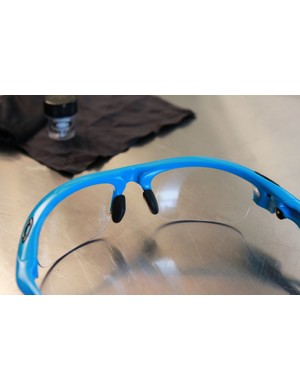 Oakley offer two different sets of nose pieces, a standard version and larger set that helps the frames stand further off the face