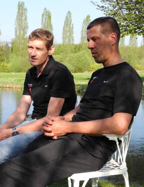 Rolf Aldag and Lars Teutenberg sit down for an equipment talk prior to the 2011 edition of Paris-Roubaix