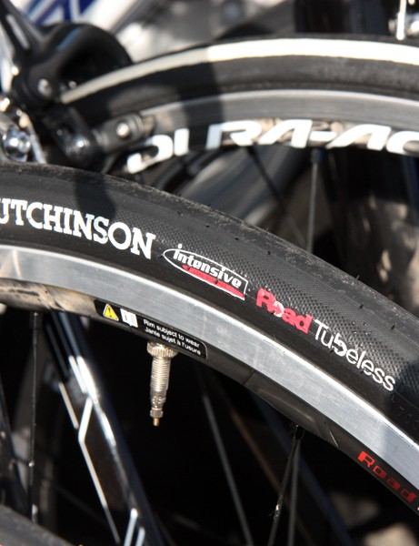 Several FDJ spare bikes were fitted with Hutchinson Road Tubeless tires