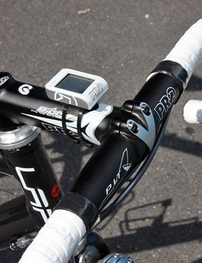 Frederic Guesdon (FDJ) went conservative with stem and handlebar options on his old-school Lapierre X-Lite