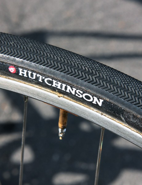 Frederic Guesdon's (FDJ) tubulars feature an aggressive tread design and an actual casing width of 28mm