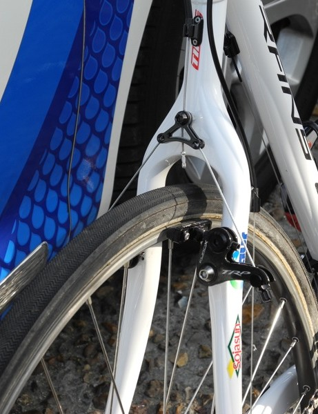 Saur-Sojasun mounted the old-school wheels and aggressive tires to Time cyclo-cross bikes for Roubaix