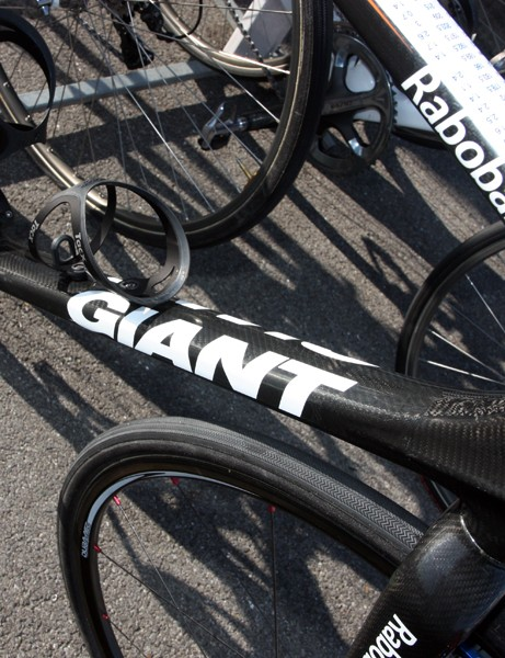 The rectangular MegaDrive down tube on Lars Boom's (Rabobank) Giant TCX Advanced SL is notably wide at the head tube and only gets wider as it moves toward the bottom bracket
