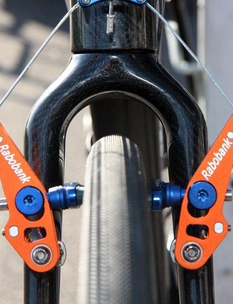 There's easily a finger's width of room on all sides of the front tire on Lars Boom's (Rabobank) Giant TCX Advanced SL, even with a bulbous 30mm casing