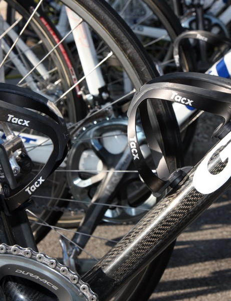 Lars Boom (Rabobank) used standard Tacx Tao aluminum cages on his Giant TCX Advanced SL