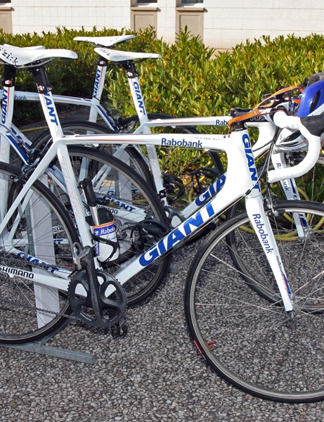 While Lars Boom ran his familiar Giant TCX Advanced SL 'cross bike, the rest of the Rabobank team used slightly modified versions of the TCR Advanced SL road bike