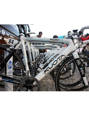 Kuota's KOM Evo is the lightest road frame in the company lineup and yet Ag2r have proven it tough enough to survive Paris-Roubaix. Note the burly Elite Ciussi Gel cages mounted throughout