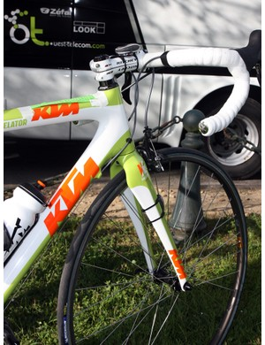 Bretagne-Schuller's KTM Revelator machines feature a 1-1/8 to 1-1/4in tapered front end