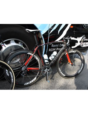 Saxo Bank-Sungard's Baden Cooke used Specialized's new McLaren Venge aero bike