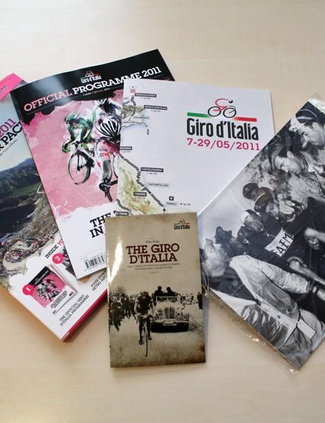 Giro D'Italia Official 2011 Souvenir Pack