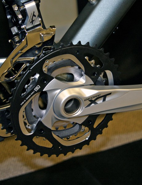 Shimano XT's crankarm and spider get some new styling for 2012