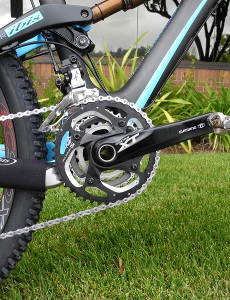 Shimano's new FC-M780 triple crank in black