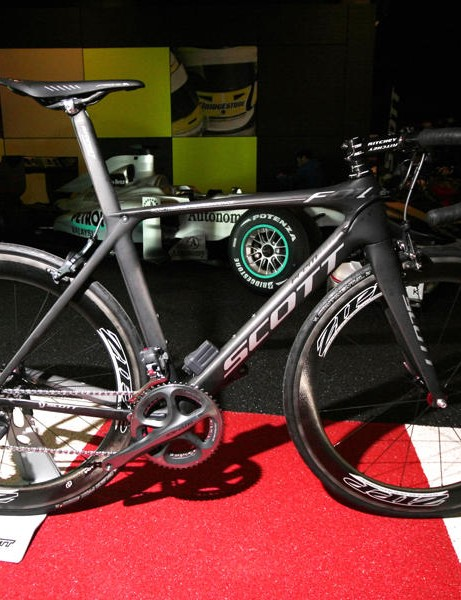 This is the production Scott Foil Premium. We took a spin on a prototype version with a slightly different spec