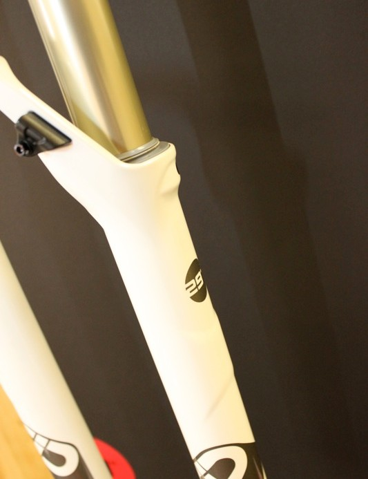 SID 29's lower legs feature the scalloped Power Bulge bushing reinforcement