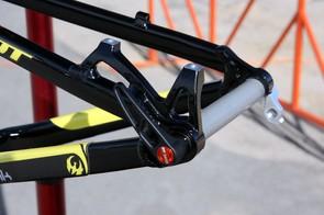 The Pivot Cycles M4X uses post mount rear brake tabs