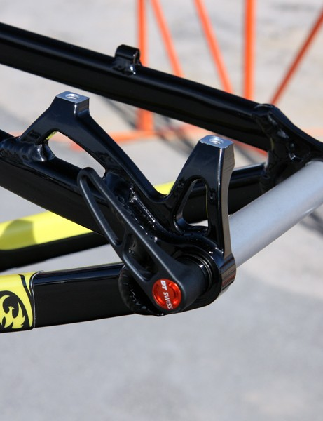 The Pivot Cycles M4X uses post mount rear brake tabs