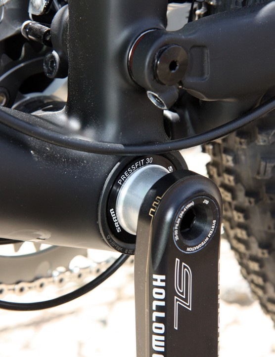 Cannondale move to the PressFit 30 system on their new Scalpel 29 as it allows them to ditch the aluminum sleeve in favor of a carbon fiber one to save some weight