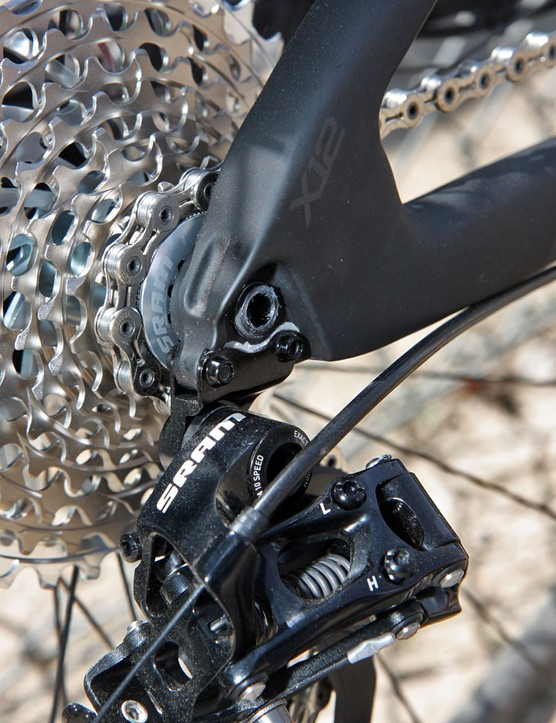 The sandwich-style rear derailleur hanger is stiffer than ones that simply bolt to the inner or outer face for better durability in a crash and more precise shift performance