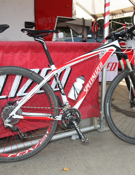 Just like at last year's US mountain bike nationals, Specialized factory racer Ned Overend used a relatively low-end aluminum 29er hardtail frame in the men's elite cross-country race at this year's Sea Otter Classic