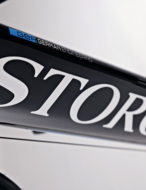 Big triangular down tube mimics Storck's range-topping Aero 2 time trial bike