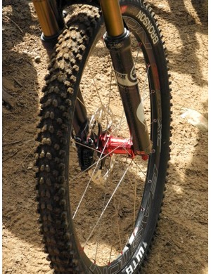 The EC90XC wheel offers a 19mm inner bead wall dimension and rated to accept up to 2.3in tires