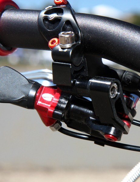 Acros will offer several different mounts with their A-GE shifters, including integrated ones for use with popular brake levers