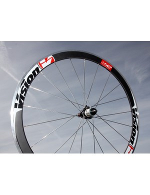 Vision's TriMax T42 uses an aluminum rim with a thin carbon 'skin' on top. Claimed weight per pair is 1,700g