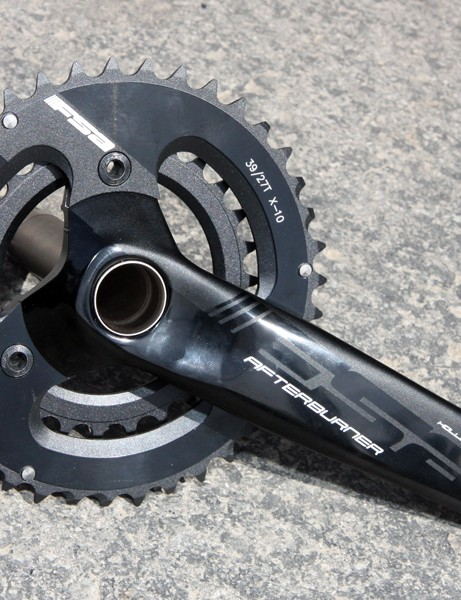 FSA's Afterburner crank gets new graphics and continues to be offered in a wide range of axle fitments and chainring combinations. Hollow forged aluminum arms maintain a good price-to-performance ratio
