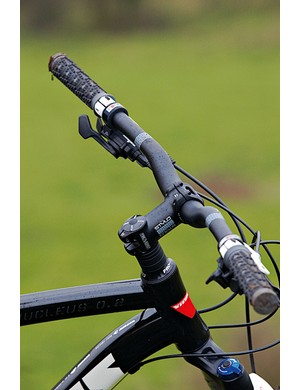 We liked the wide short Truvativ Stylo bar and stem combo on technical terrain