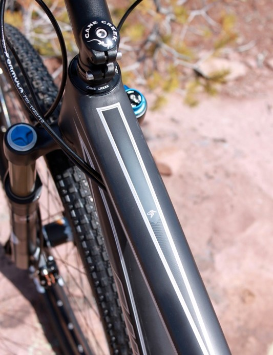 The wide top tube helps the front end track precisely