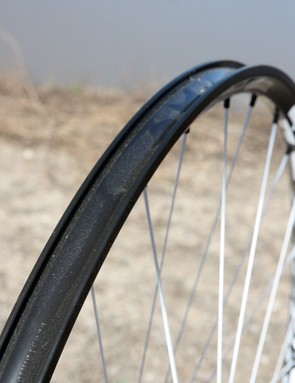 The solid outer rim bed on the DT Swiss Tricon XM1550 29er and M1800 29er wheels makes for easy tubeless compatibility