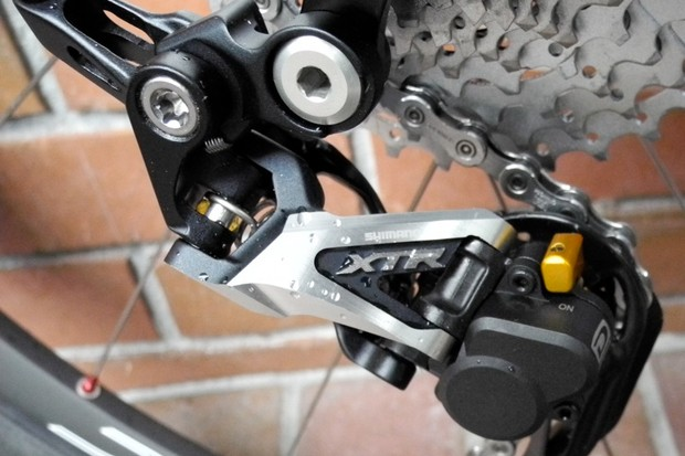 Shimano's XTR M985 Shadow Plus rear derailleur
