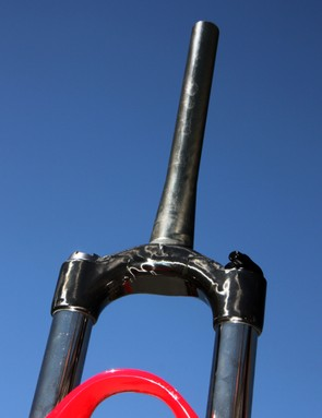 Marzocchi give their new Corsa 29 a carbon fiber crown and tapered steerer.