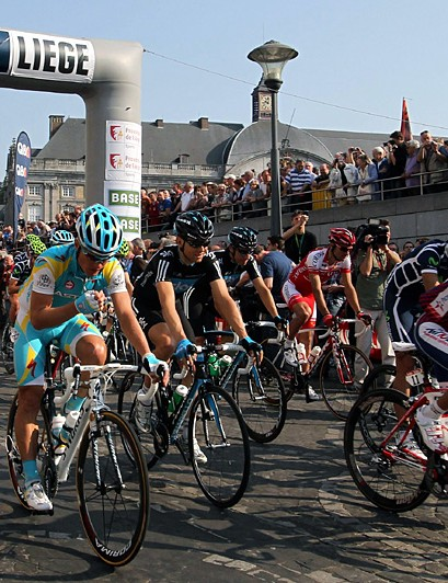 The peloton rolls out from Liege