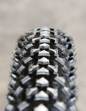 The Ritchey WCS Shield tire uses a rounded profile with just a hint of a raised shoulder