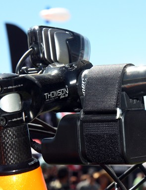 Topeak has thankfully moved away from the awkward stem cap battery mount in favor of a hook-and-loop handlebar strap for its latest WhiteLite HP Mega 10W