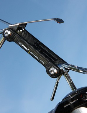 The Topeak Mini 9 Pro CB uses carbon sideplates and hardened steel bits