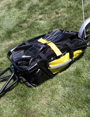 The Topeak Journey trailer and dry bag boasts a maximum capacity of 653L/32kg but a modest claimed weight of just 6.45kg