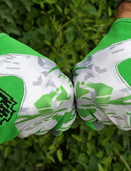 KRK Sticky gloves