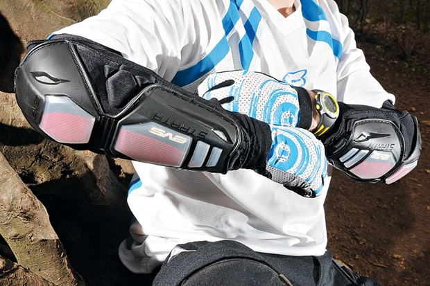 EVS Strata elbow pads