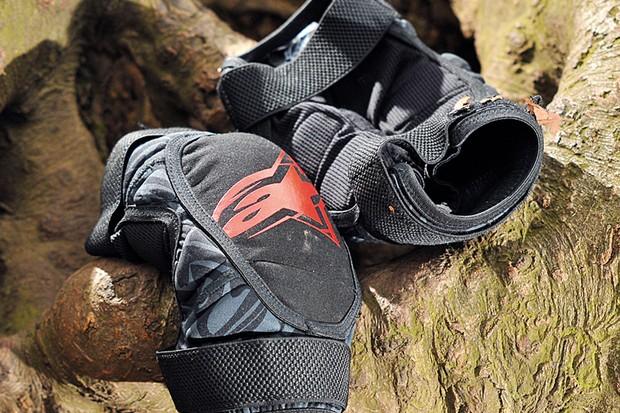 Alpinestars SLC knee pad