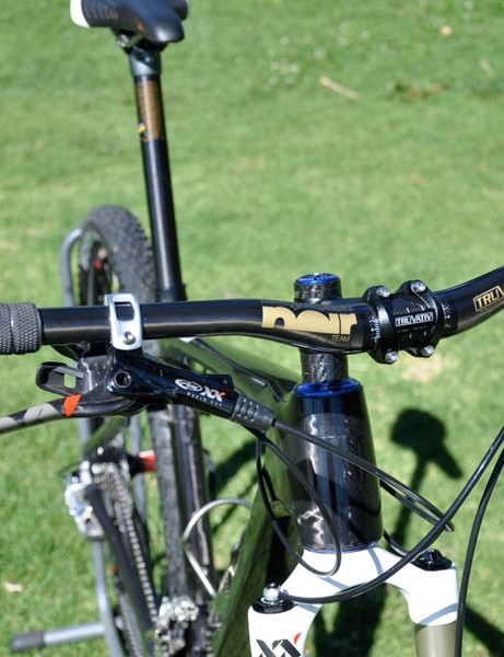 Decker likes a 685mm-wide riser bar on his cross-country race rig