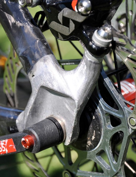 Giant prefer to use aluminum rather than carbon dropouts, even on their top-end race bikes