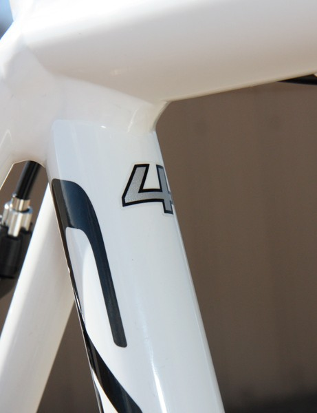 This little '4' is the only visible indicator as to the exact model of CAAD10 bike you're purchased.  It's removable, too, since many owners are likely to upgrade to nicer parts